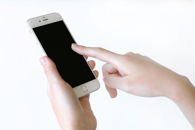 意外!メール、LINE、Facebookのメッセージなどは不倫・浮気の証拠になるの?